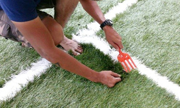 การใช้หญ้าขาวในการทำเส้นสนาม